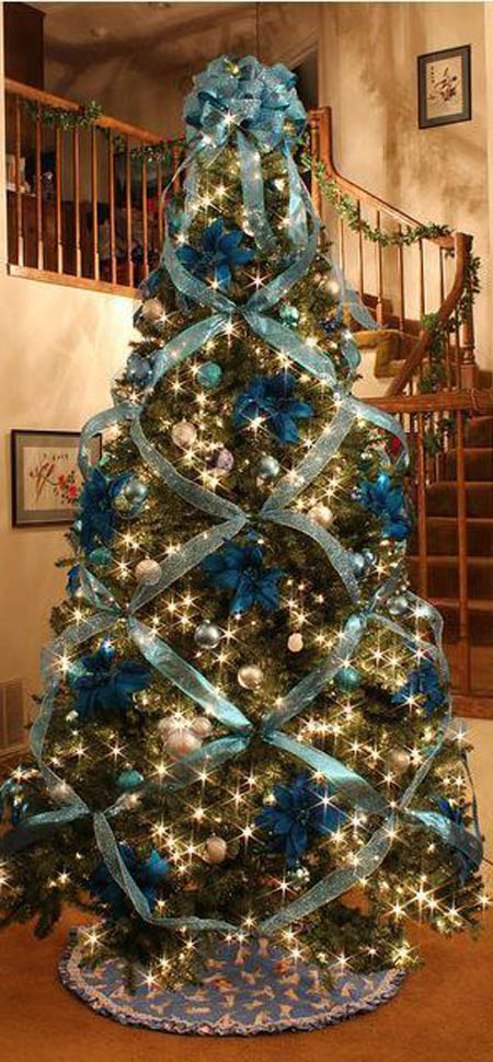 40 Most Loved Christmas Tree Decorating Ideas on Pinterest   All     christmas tree pinterest 15