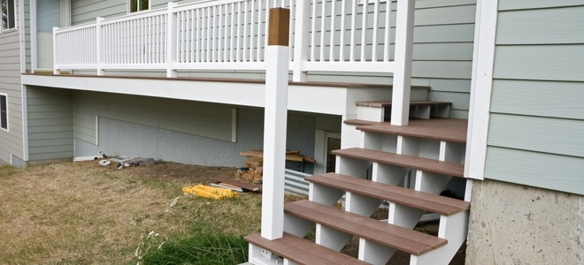 How To Build Deck Stairs Doityourself Com   Building Deck Stair Railings   Outdoor Stair   Balusters   Porch Railing   Porch   Stair Treads
