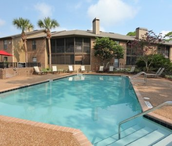 Reviews   Prices for Anatole Apartments  Daytona Beach  FL Image of Anatole Apartments in Daytona Beach  FL