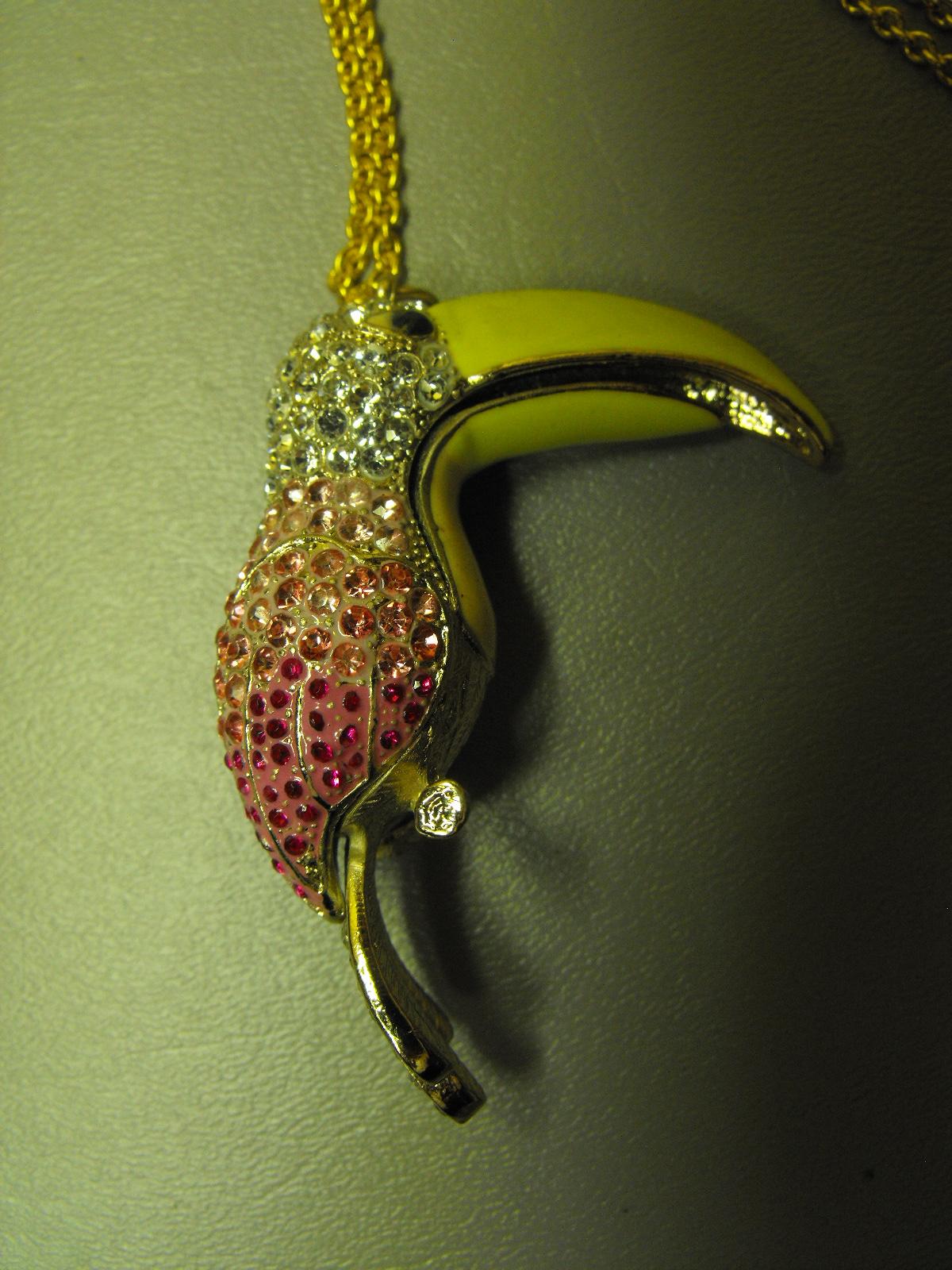 Vintage Toucan Enamel Amp Rhinestone Pendant Clive S