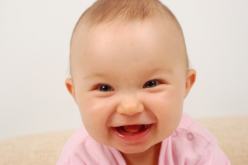 What Age Do Babies Start Smiling And Laughing