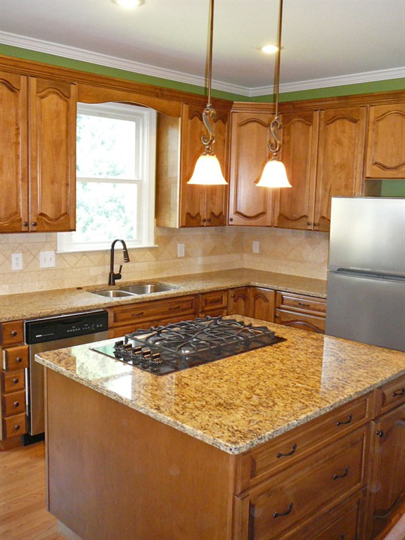 Cabinet Color For Beige Granite Countertops