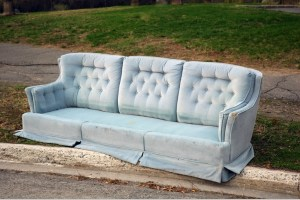 How To Dispose Of Old Furniture And Remove Other Large Items Of Trash How To Get Rid Of Old Furniture And Large Items Of Trash