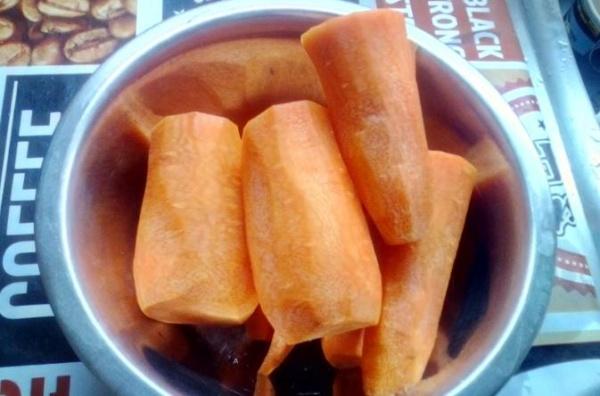 Koreanska morötter 1 morötter skära