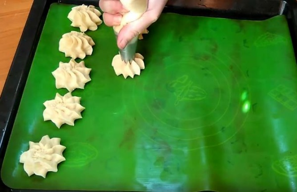 песочное печенье 4 формируем печенье