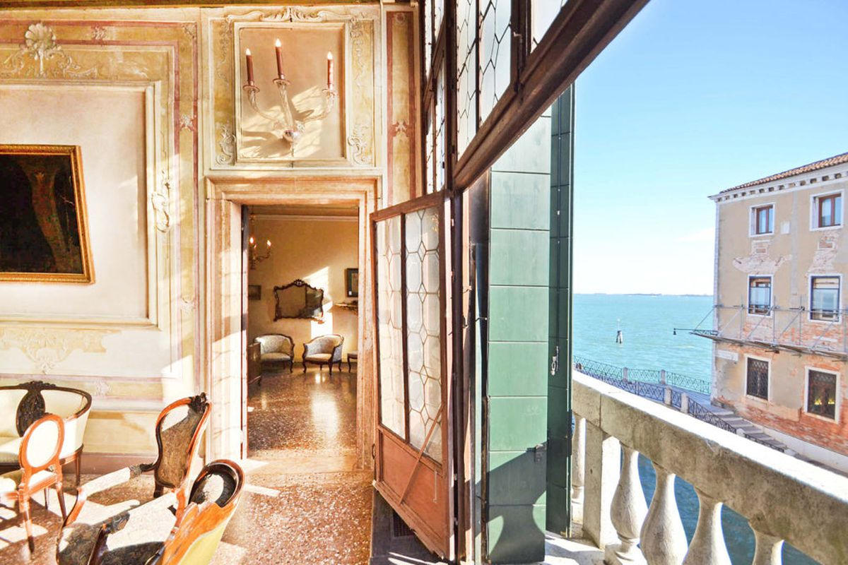 Das Beste Live In The Stunning Venetian Palazzo That Was Once Home In Diesem Monat