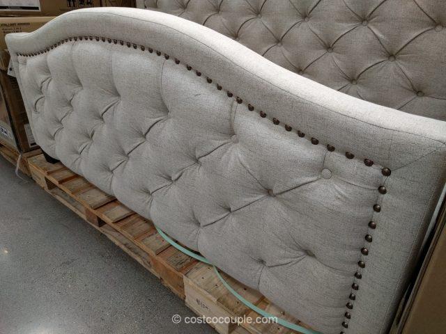 Pulaski Furniture Upholstered Queen Bed