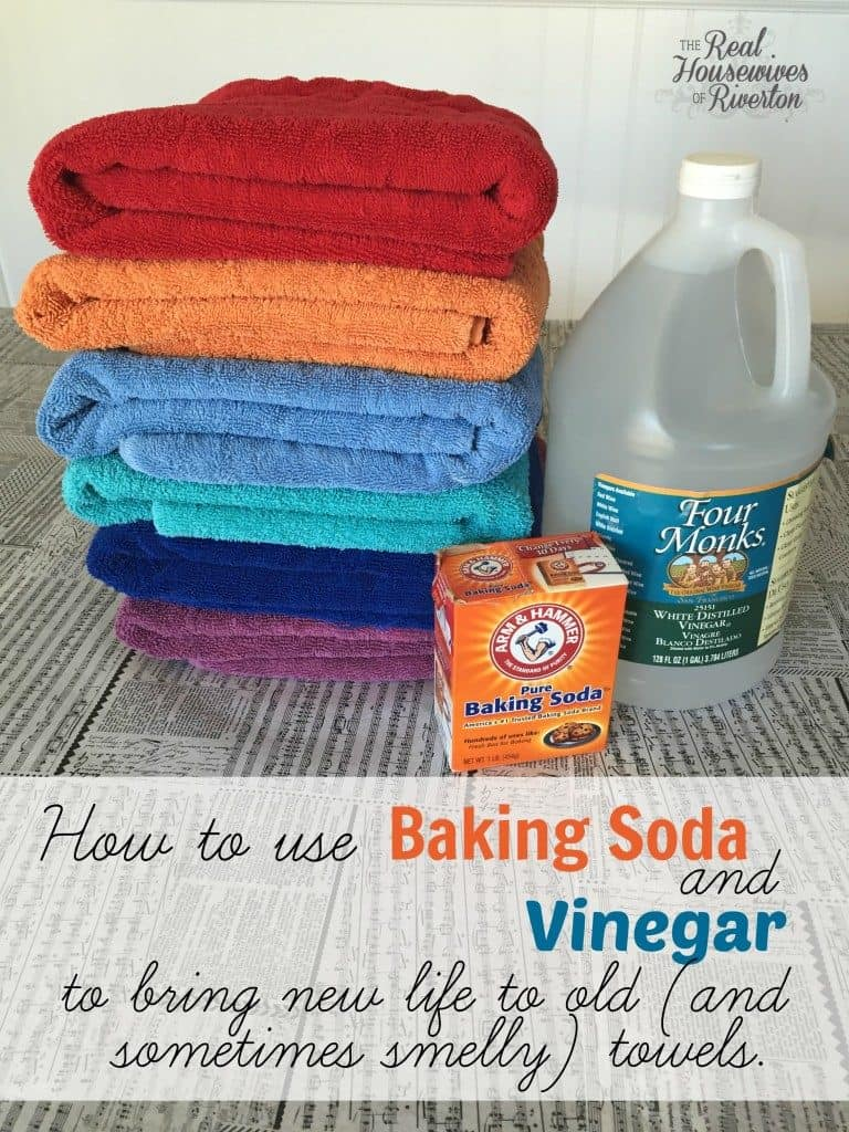 clean towels with vinegar and baking soda