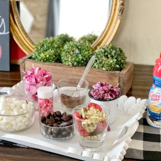 DIY Valentine Hot Cocoa Bar