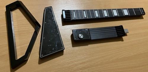 私はギターを弾くことを学び、最後に私は私のデジタルを作成しました。第2部DO-IT  - 自分自身、技術、音楽、ギター、エレクトロニクス、ガジェット、アルドイーノ、開発、スタートアップ、キックスターター、クラウドファンディング、長い、MIDI、ビデオ、針