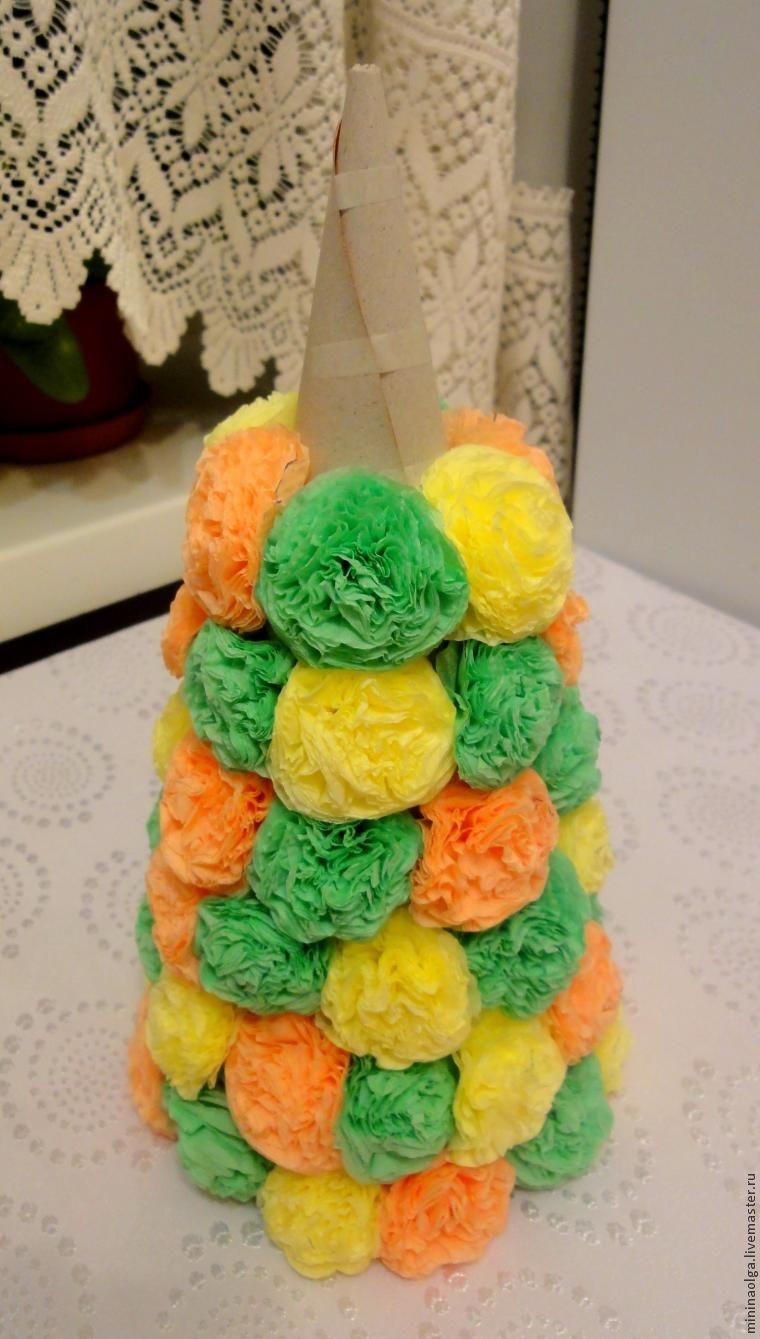 圣诞树由纸巾制成用自己的手,照片№16