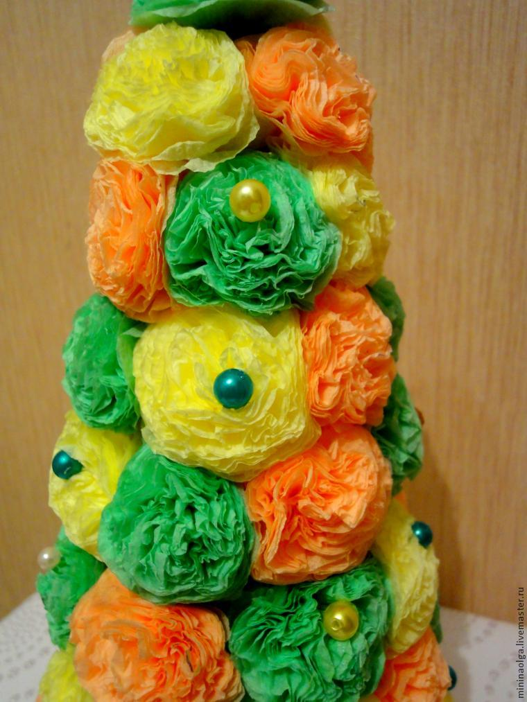 Pomul de Crăciun din șervețele de hârtie cu mâinile lor, Foto № 20