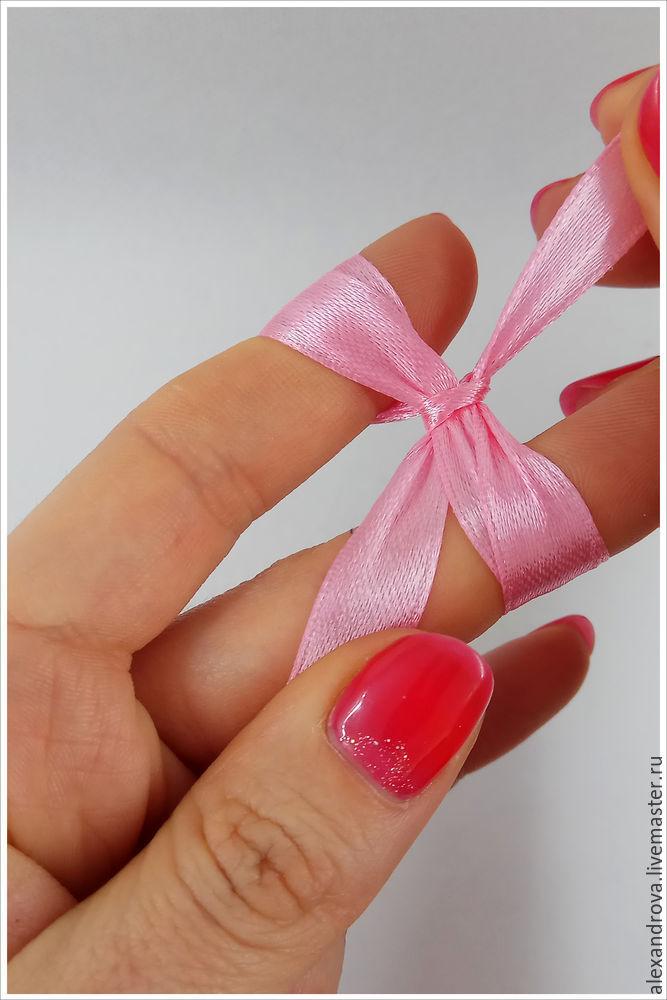 サテンリボンの弓をとても美しく穏やかに結び付ける№11