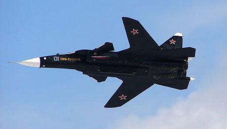 """Projekt """"Berkut"""": Jako jedinečný Su-47 se změnil v smrtící T-50 VKS, suché, SU-47, letectví, bojovník, dlouhý"""