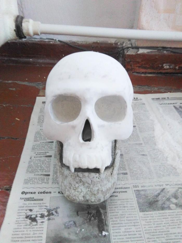Demonin kallo kädet Papier-Mache. DIY Skull, Demoni, Desire, Papier-Mâché, käsityöt, tee se itse, akryyli, sarvet, pitkä