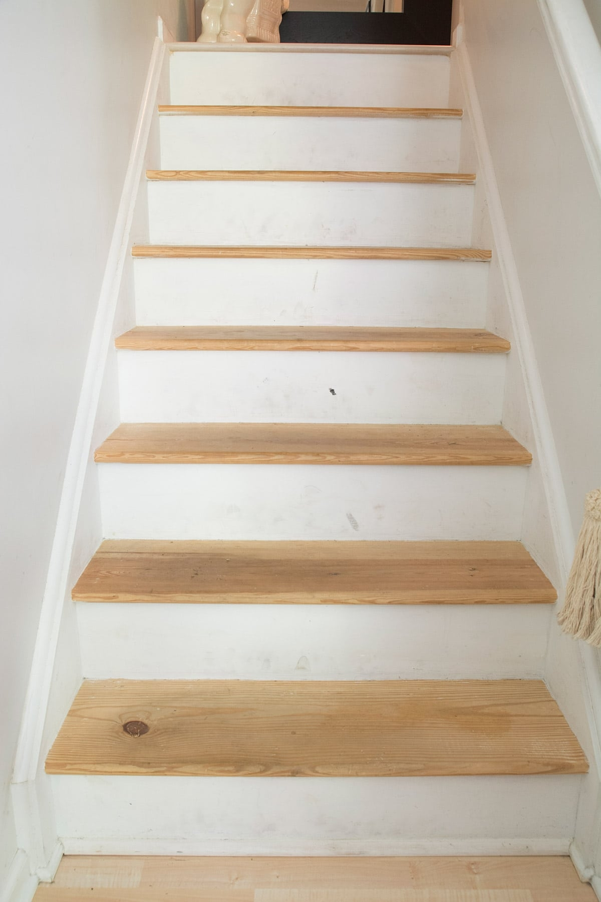 Removing Carpet From Stairs Cuckoo4Design   Wooden Floor And Carpet On Stairs   Carpet Runner   Downstairs   Middle Stair   Popular   Wood Riser