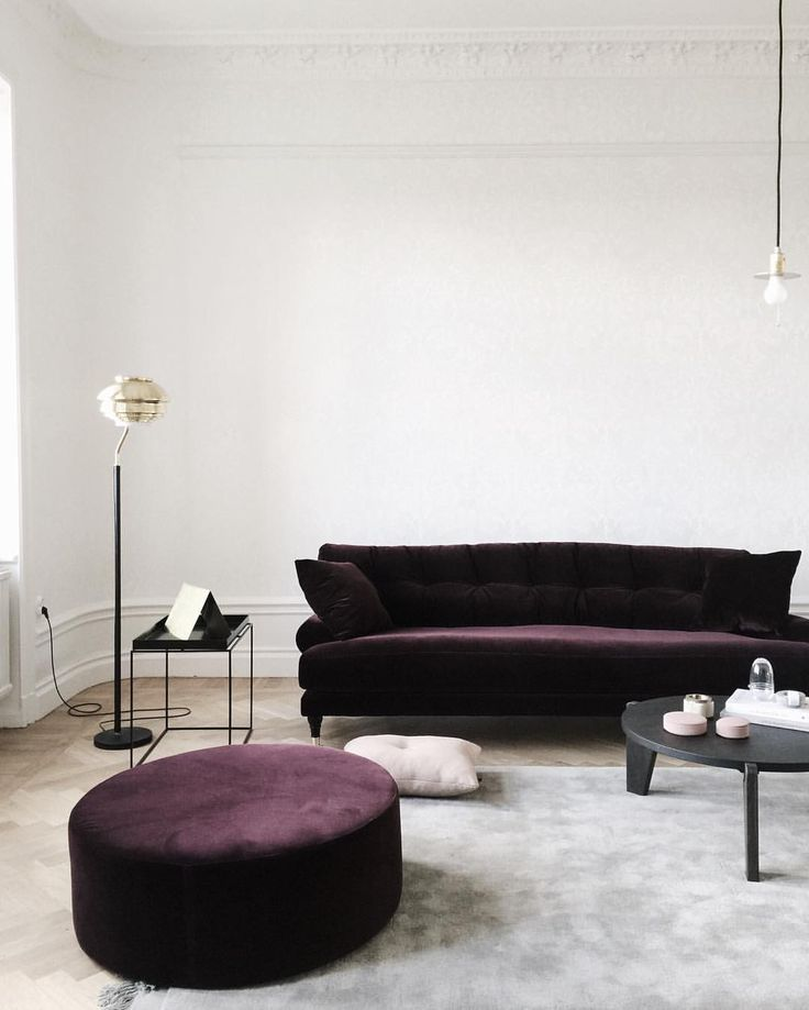 12 Royally Purple Velvet Sofas For The Living Room