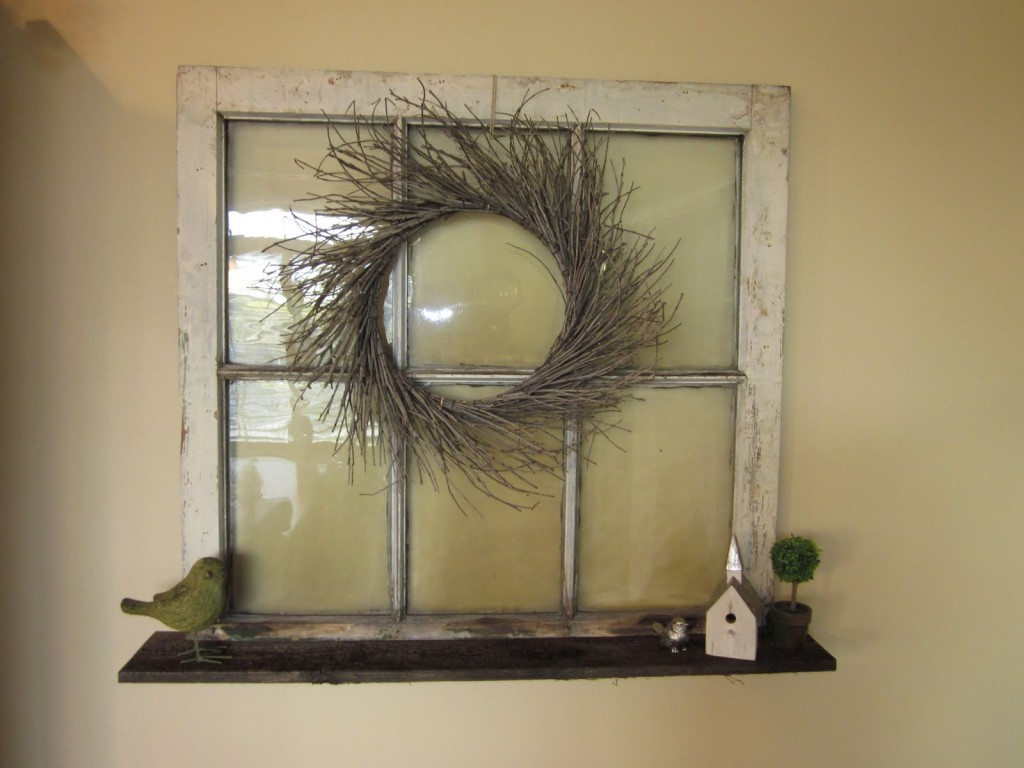 30  DIY Craft Projects Using Old Vintage Windows     Cute DIY Projects A Chic Wreath Decoration  Old house windows