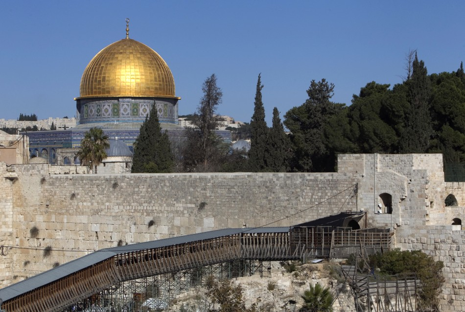Israel Netanyahu Wants To Ban Muslim Mosques Call To Prayer
