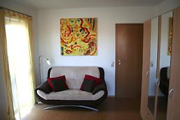 Ruhiges, helles 16 qm-Zimmer in Langen bei Frankfurt am Main
