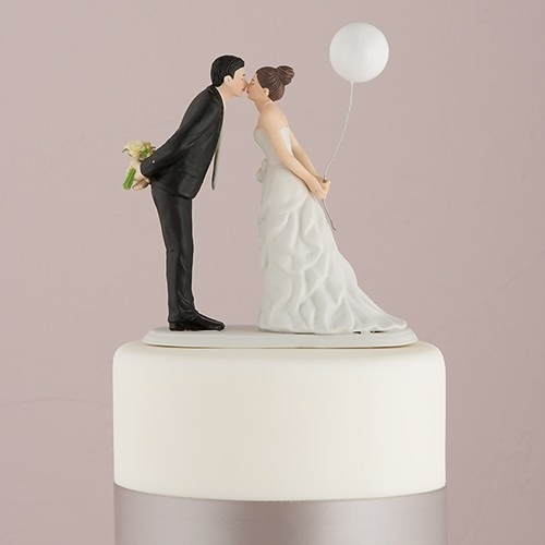 wedding cake topper  raquo  Leaning in for a Kiss  Balloon Wedding Cake Topper   The Knot Shop Leaning In For A Kiss   Balloon Wedding Cake Topper
