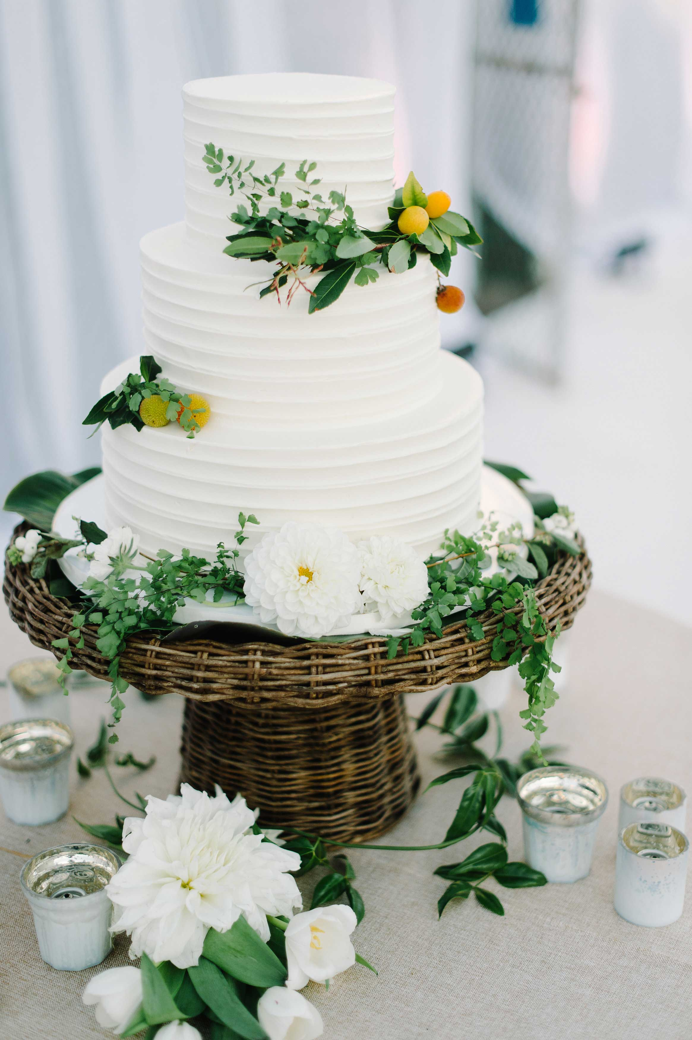 Wedding Cakes  Pros and Cons of Buttercream vs  Fondant   Inside     Buttercream Wedding Cakes