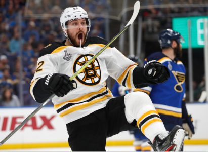 Bruins Ruin Blues Homecoming With 7-2 Thrashing In Game 3 | WBUR News