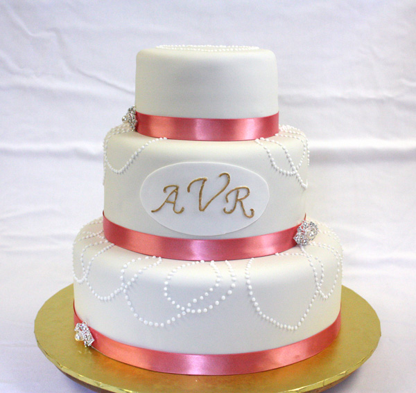 Vintage Wedding Cakes Are Increasingly Popular Vintage Wedding Cakes