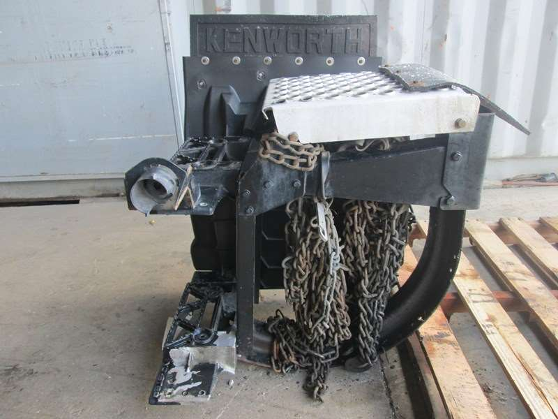 2012 Used Kenworth T700 Right Tire Chain Rack For Sale