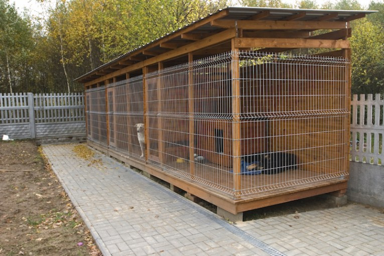 34 Doggone Good Backyard Dog House Ideas For multiple dogs  a large kennel may be more suitable  This type is better