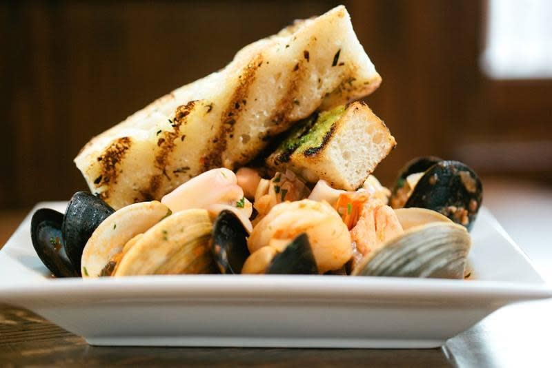 Best Seafood Restaurants Newport Ri