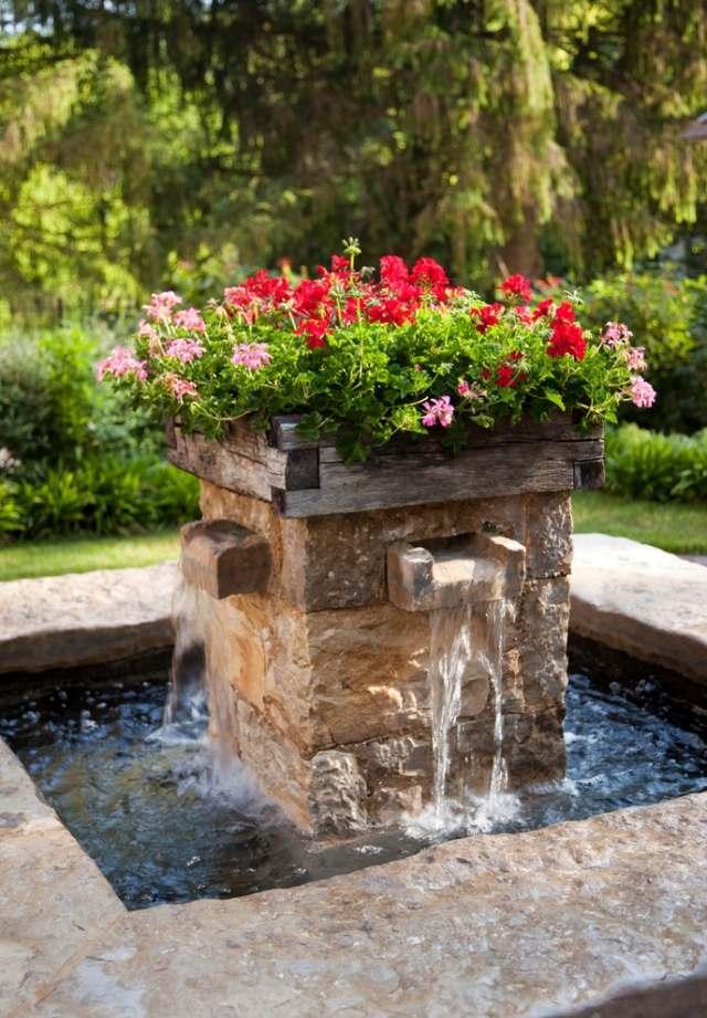 Small Backyard Pond Designs