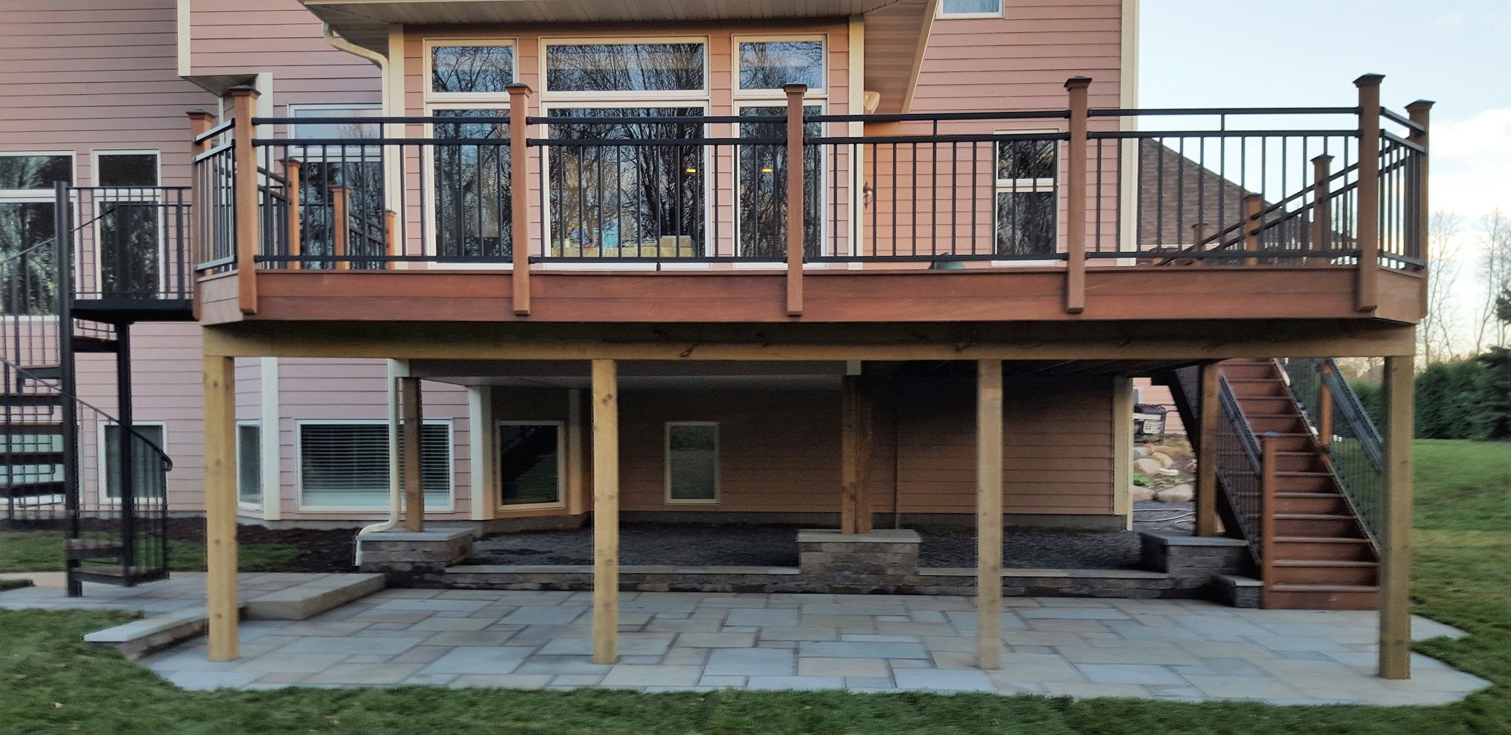 Deck With Spiral Stair Case Picture 6449 Decks Com | Outdoor Spiral Staircase For Deck | 36 Inch Diameter | Small Footprint | Steel | Balcony Outdoor | 2 Story