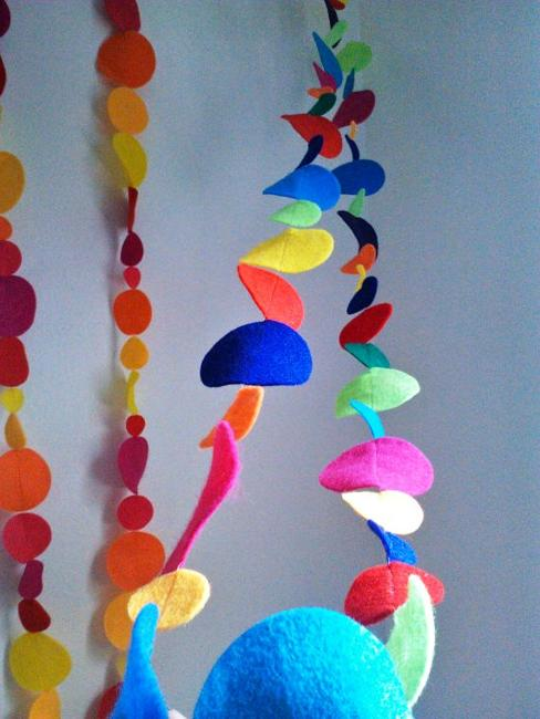 45 Craft Ideas For Handmade Garlands Recycling Felt Pieces