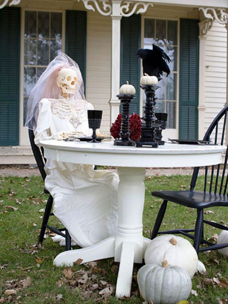Halloween Outside Home Decorating Ideas