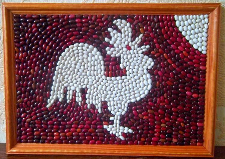Rooster dari bijirin dengan tangan anda sendiri: meletakkan kacang