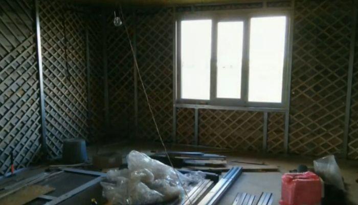 दीवारों को भड़काना और बीकन स्थापित करना