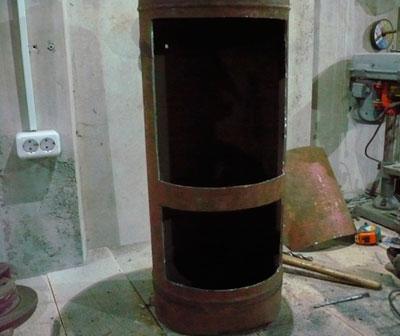 Vágja le a Bulgar dobozt a gázhengerben