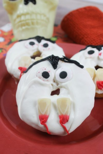 Everyone loves donuts, even the undead! Check out these homemade vampire donuts, perfect for a fun Halloween themed treat.