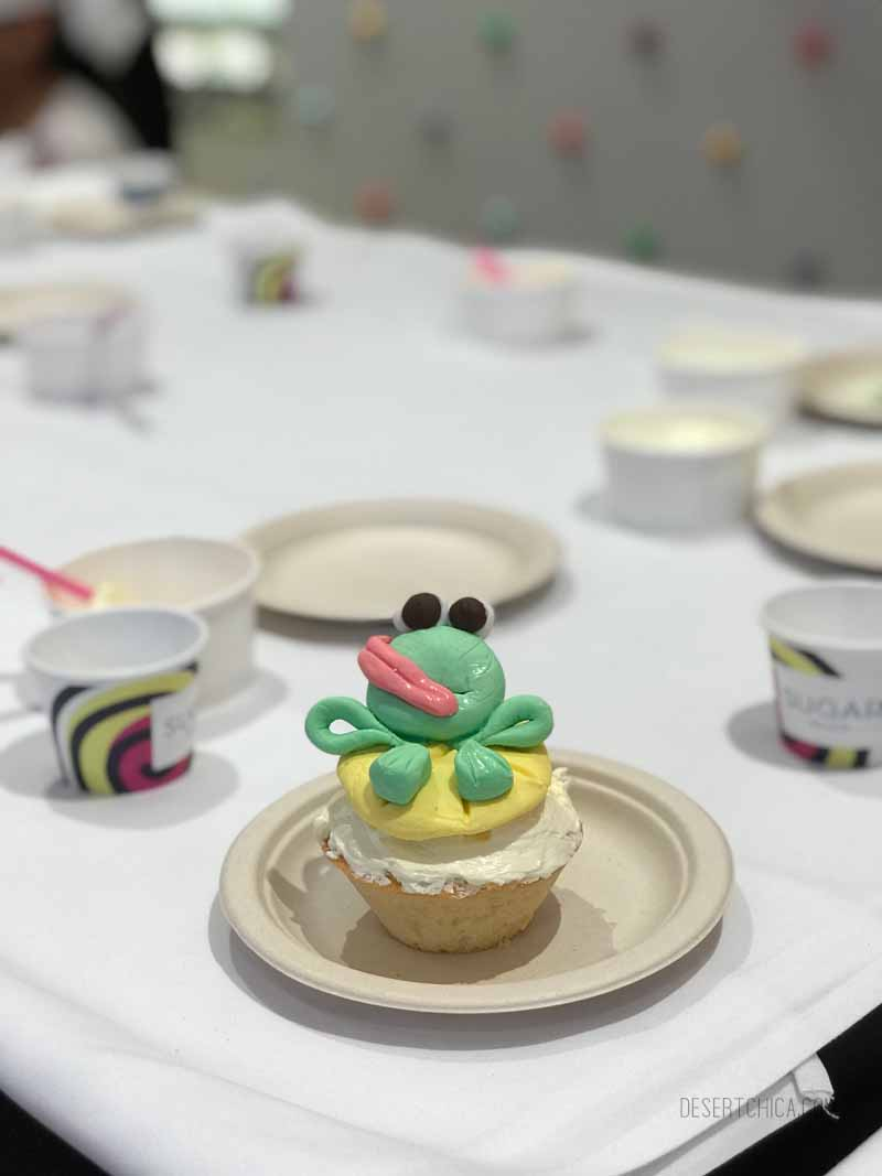Frog Cupcake Class on Royal Caribbean Symphony of the Seas cruise ship. It is one of the amazing tween friendly activities aboard the largest cruise ship in the world.