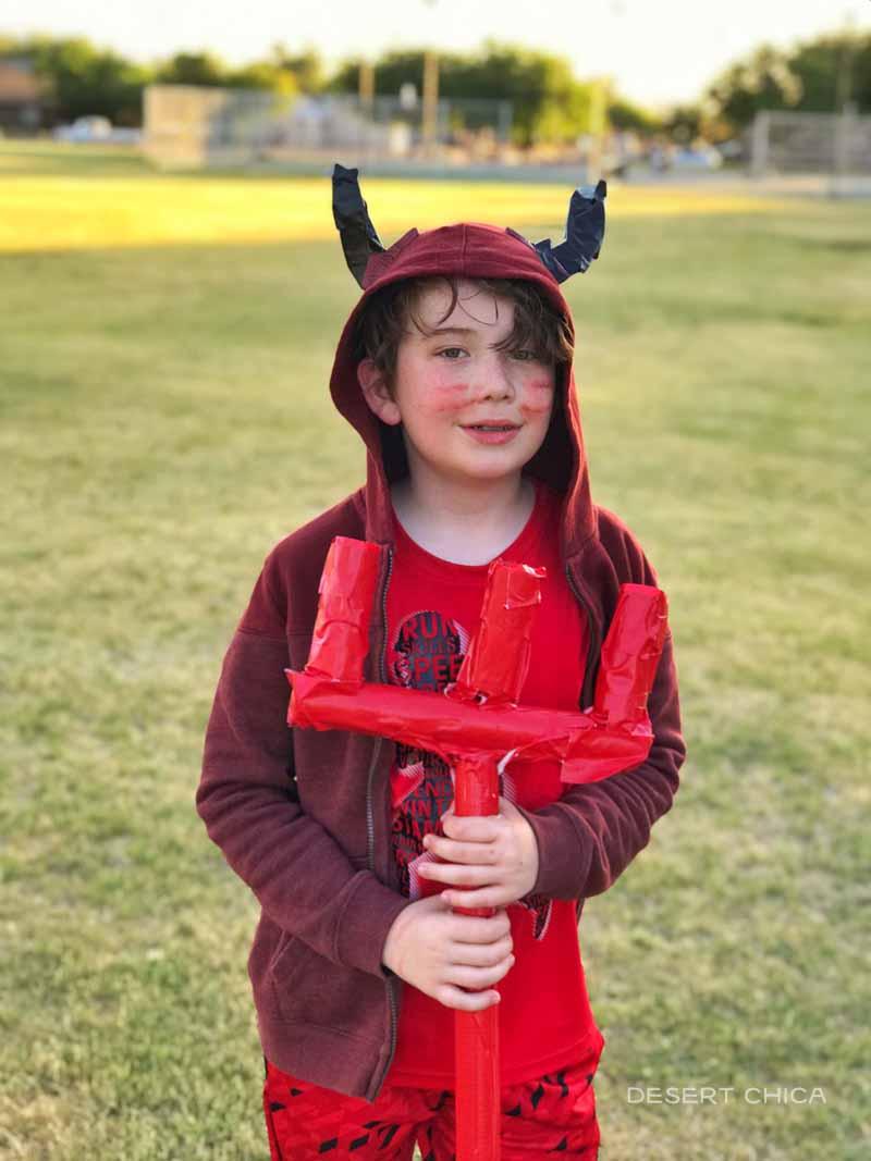 DIY Red devil costume super fan for Manchester United
