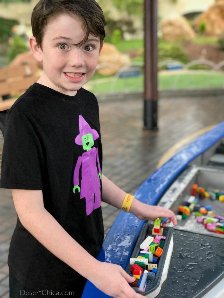 kid playing at LEGOLAND