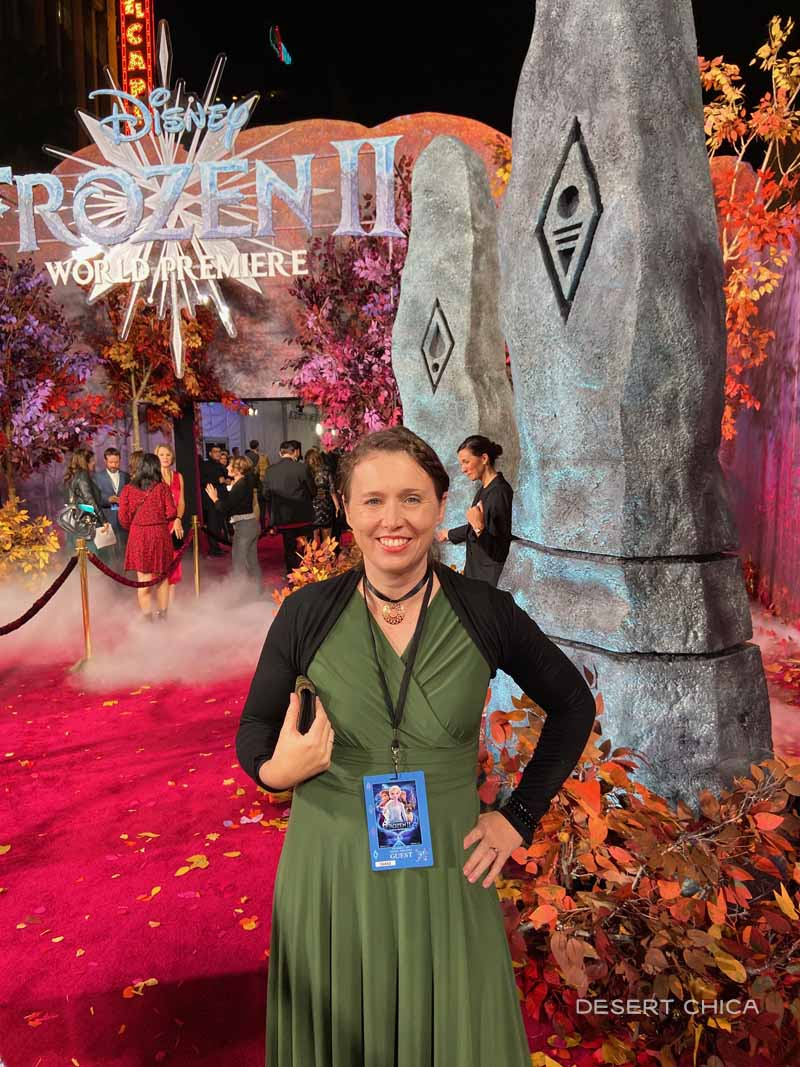 Girl in green dress at Frozen 2 red carpet