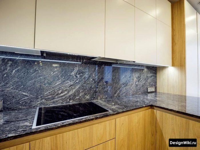 Designer Reparation i köket i grå färger
