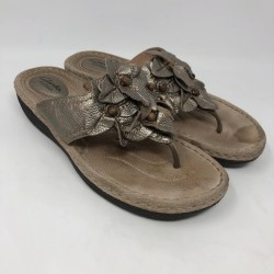 96ffd8a6c45 Clarks Shoes Artisan Gold Leather Flower Sandals 9 Poshmark