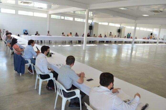 Martínez presentó su gabinete a representantes de partidos y agrupaciones de la Corriente Encuentro por Resistencia