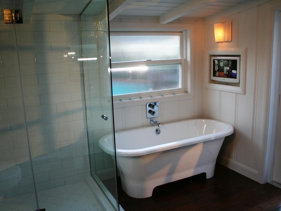 Amazing Tubs and Showers Seen On Bath Crashers   DIY DBCR302 shower wide s4x3