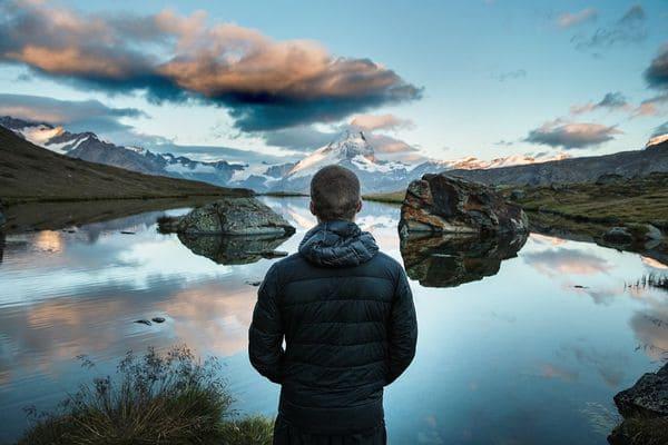نمایش کوه و دریاچه