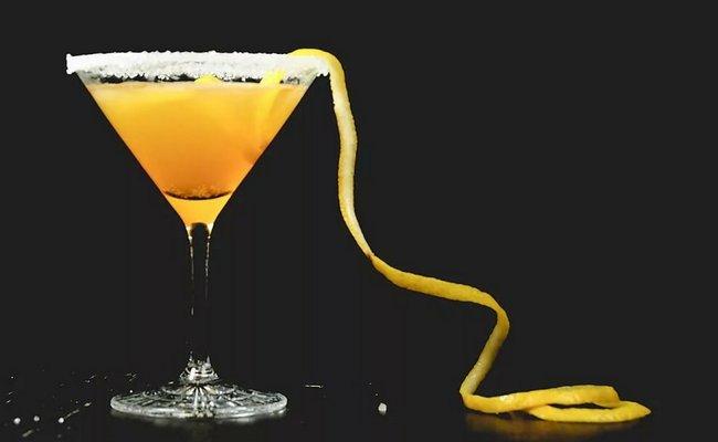 Апельсин шырыны негізделген коктейль