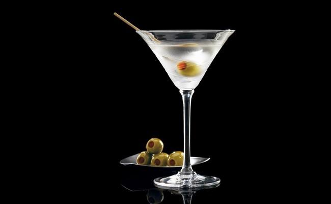 Мартини құрғақ коктейлі - ең қарапайым және ең дәмді